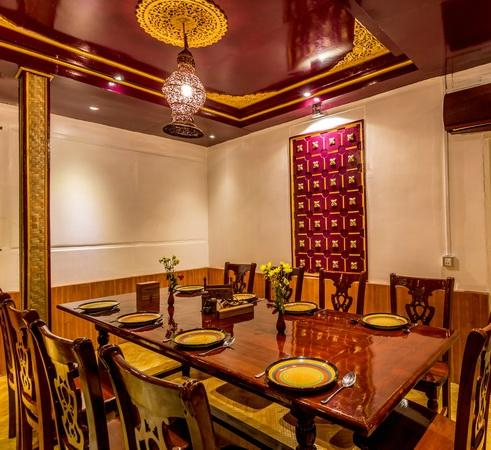 deco picture of mingalabar myanmar restaurant mandalay tripadvisor. Black Bedroom Furniture Sets. Home Design Ideas