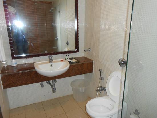 Daiwik Hotels Rameswaram: Wash Basin