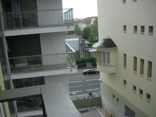 Lagrange City Apart'Hôtel Lyon Lumière: Vista da varanda