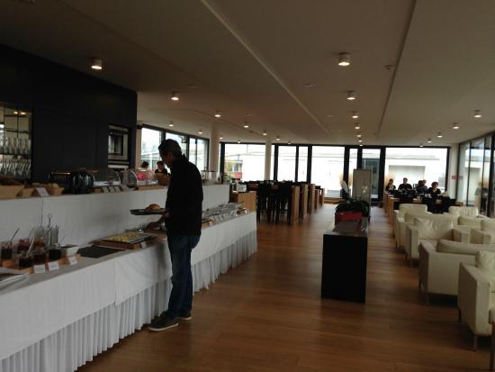 Midori Guesthouse: área do Café da Manhã / Breakfast