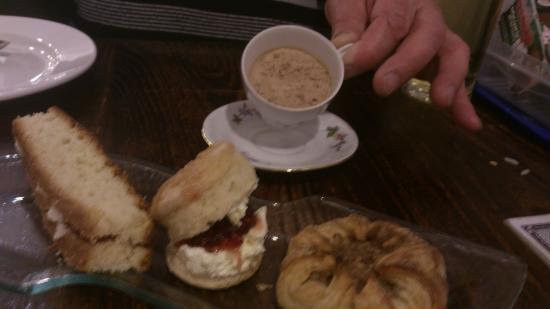 "The Settlement: ""afternoon tea"" for a dessert"