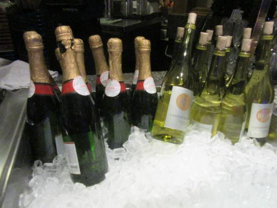 Bayside Buffet: Champagne :)