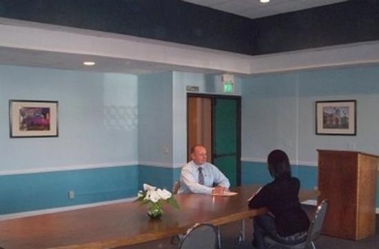 Palos Verdes Inn: California Meeting Room
