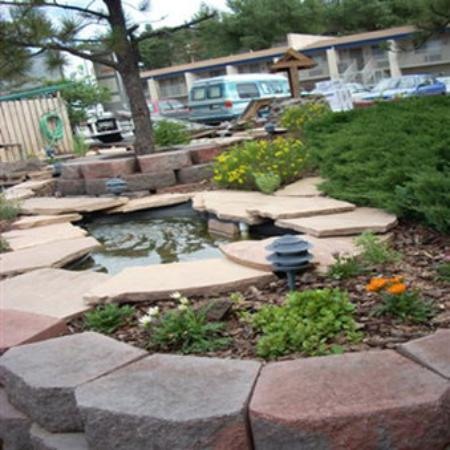 Hotel Aspen InnSuites Flagstaff / Grand Canyon: Landscaping