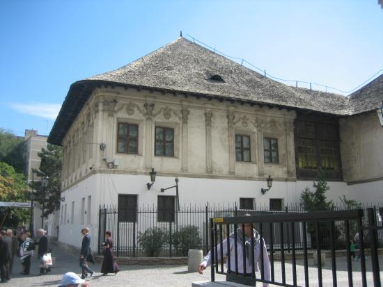 Manuc's Inn (Hanul lui Manuc): 1