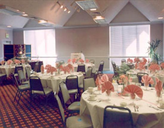 Royal Garden Inn: Meeting Room
