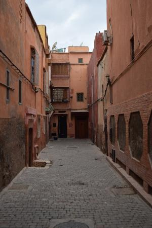 Riad Amlal: Alley outside of the Riad