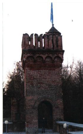 Castello di Carimate: torre