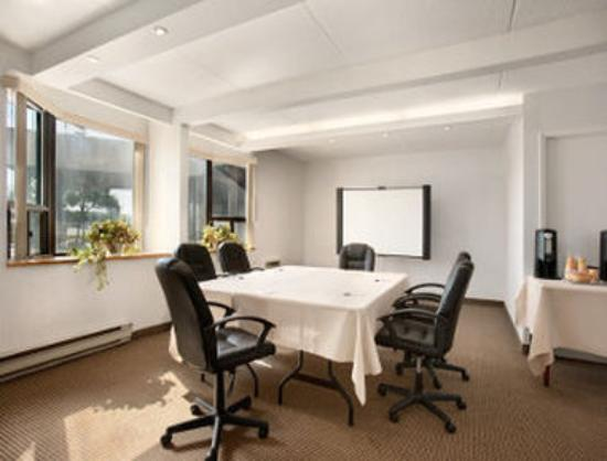 Travelodge Toronto East : Meeting Room