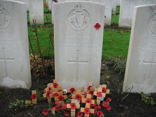 Poelkapelle, Belgia: Grave of Youngest Soldier to Die