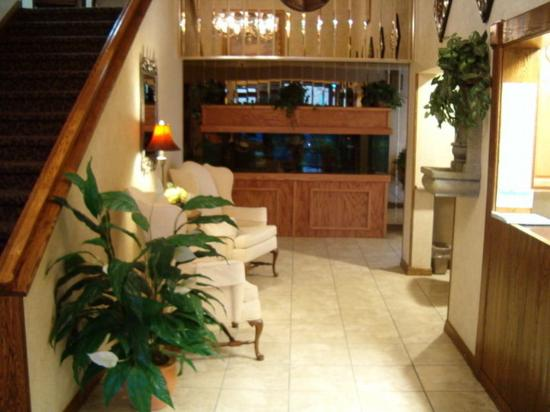 Americas Best Value Inn & Suites - Fort Collins East / I-25: LOBBY
