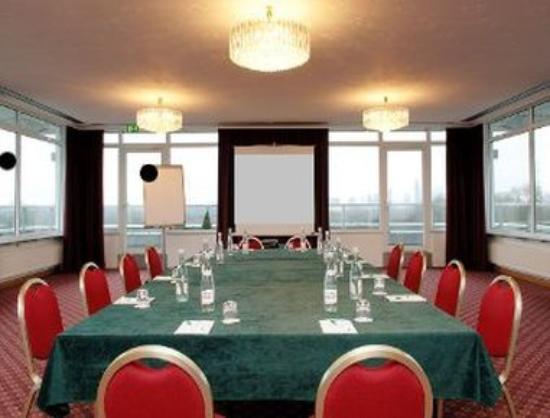 RAMADA Hotel Frankfurt-Messe: Meeting Room