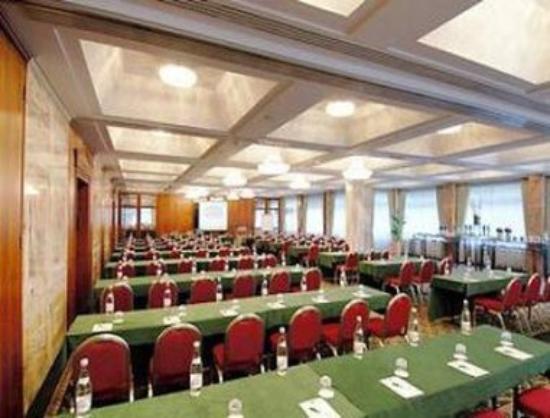 RAMADA Hotel Frankfurt-Messe: Meeting/Banquet Room