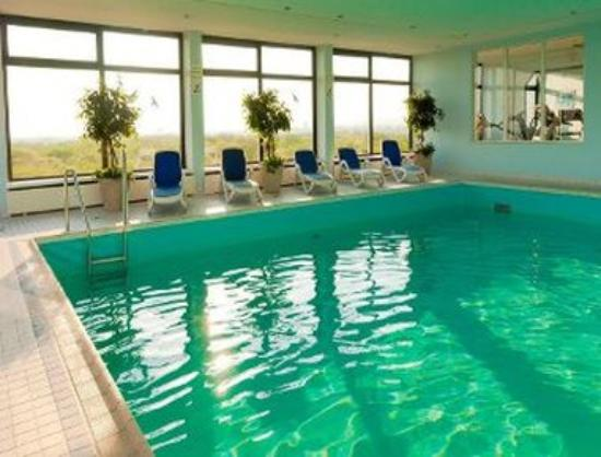 RAMADA Hotel Frankfurt-Messe: Pool