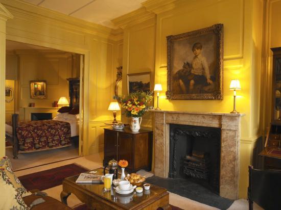 Hazlitt's: Suite Sitting Room