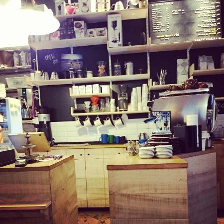 La Boite a Cafe by Mokxa: Café intérieur