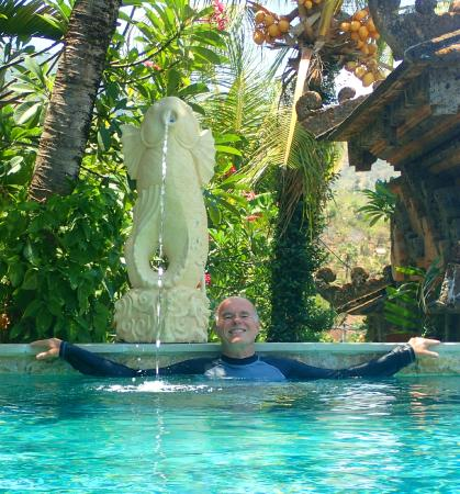Bayu Cottages Hotel and Restaurant: The Author Relaxes in the Pool at Bayu Cottages Apres Snorkel