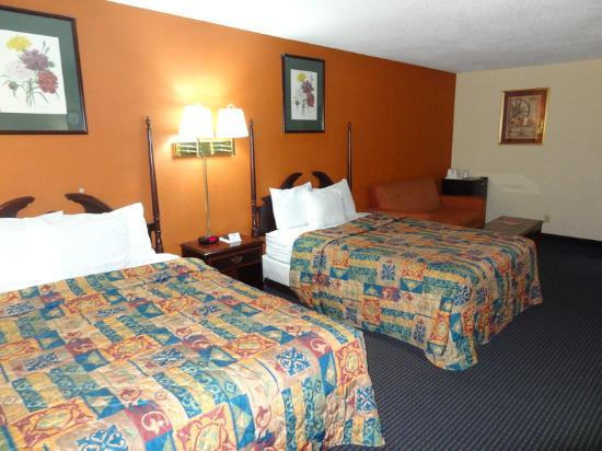 Americas Best Value Inn @ Newark Airport: Two_Queen_Two