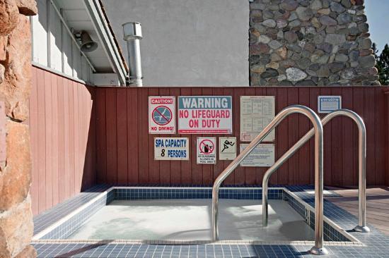 Americas Best Value Inn-Tahoe City/Lake Tahoe: Jacuzzi
