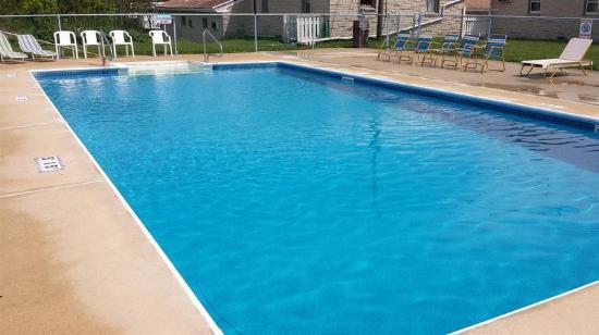 Americas Best Value Inn Palmyra/Hershey: Pool