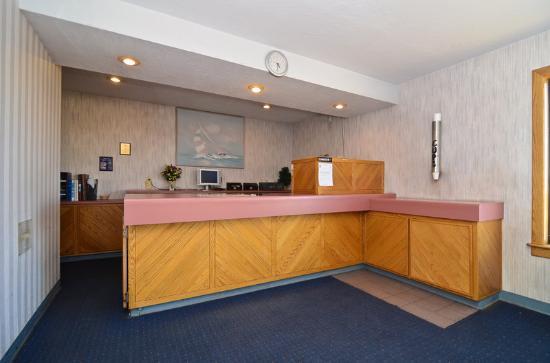 Americas Best Value Inn of Williams: Lobby.jpg