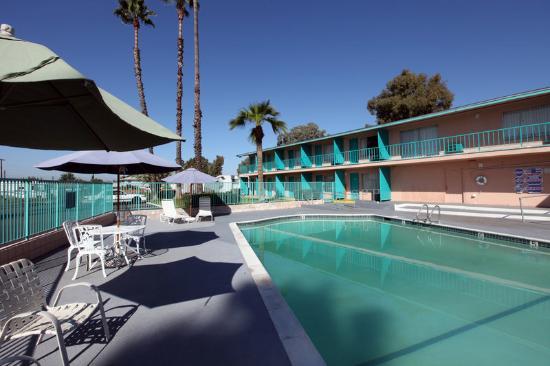 Americas Best Value Inn - El Cajon / San Diego: Pool2