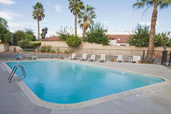 Americas Best Value Inn-Thousand Oaks: Pool