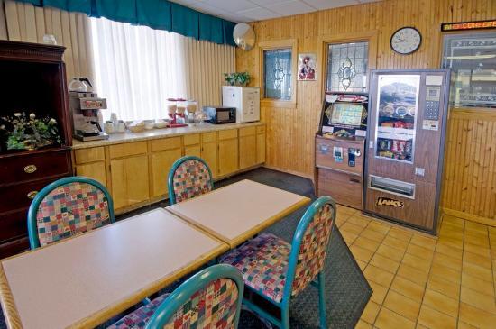 Super Inn & Suites - Milledgeville : Breakfast Area