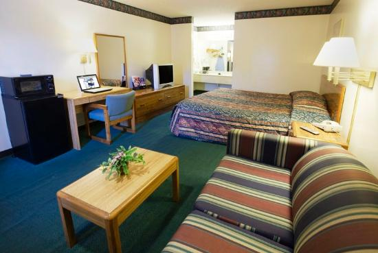 Americas Best Value Inn & Suites/Lookout Mountain West: One King Bed