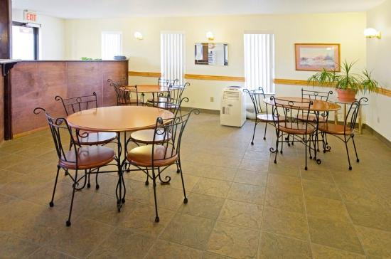 Americas Best Value Inn Burlington : Meeting Space