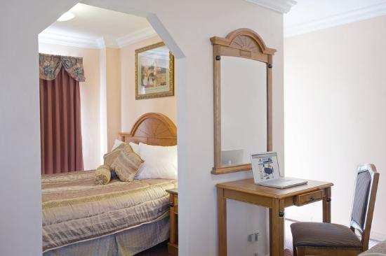 Americas Best Value Inn-Corte Madera/San Francisco: One Queen Bed
