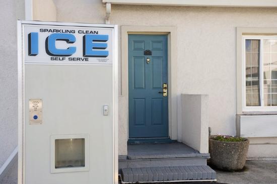 Americas Best Value Inn-Corte Madera/San Francisco: Ice Machine
