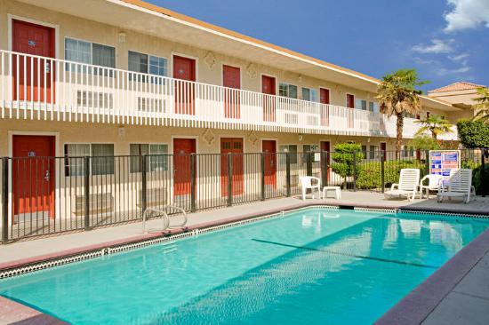 Americas Best Value Inn - Fresno Downtown : Pool