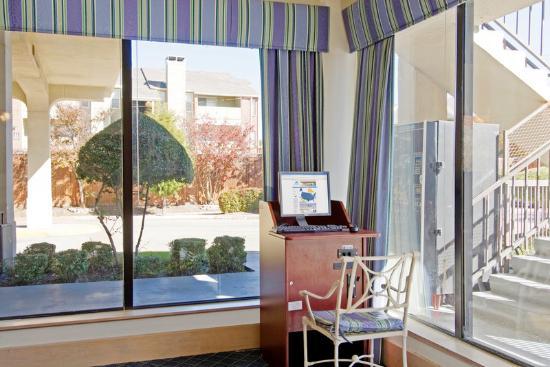 Americas Best Value Inn: Business Center