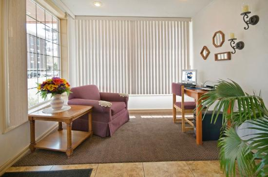 Americas Best Value Inn Pendleton: BusinessCenter