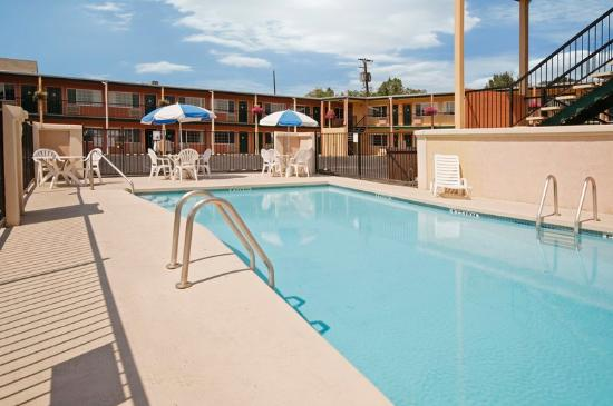 Americas Best Value Inn Pendleton: Pool