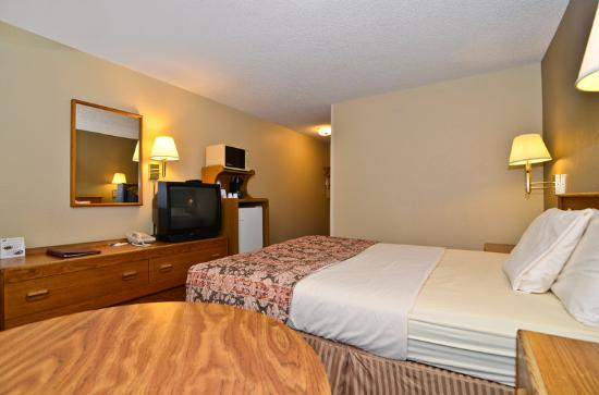 Americas Best Value Inn John Day: Queen Guest Room