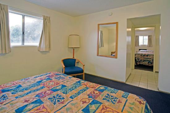 Americas Best Value Inn/Beaumont: Suite Two