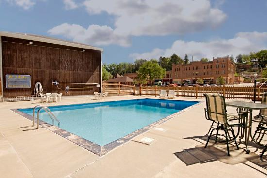 Americas Best Value Inn by the River: Pool