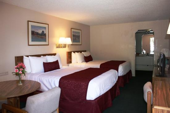 Americas Best Value Inn- Grand Junction : Two_Queen_Beds1