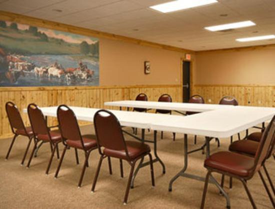 Days Inn Hays: Meeting Room