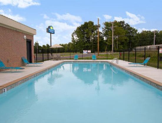 Wynne, AR: Pool