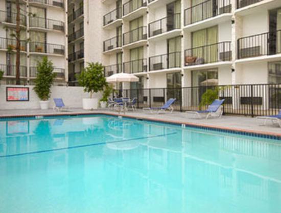 Days Inn Glendale Los Angeles: Pool