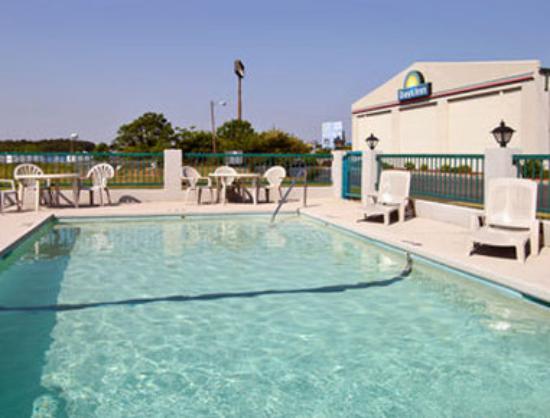 Days Inn Byron: Pool