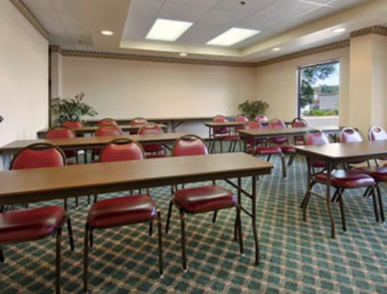 Days Inn Chapel Hill: Meeting Room