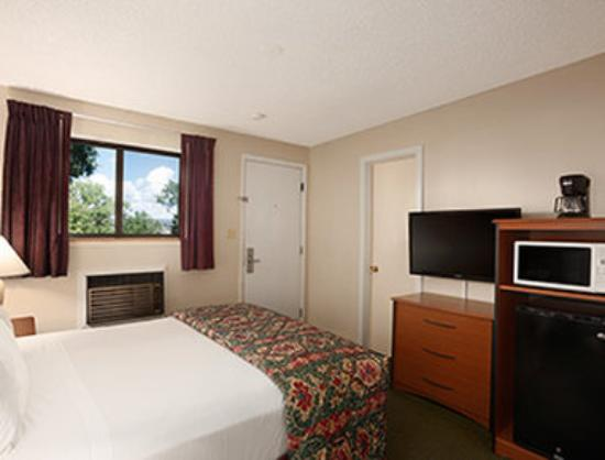 Days Inn Cortez: 1 Queen Bed Room