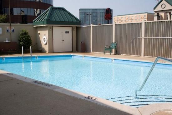 West End Lodge: Pool