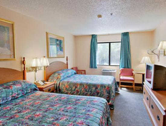 Days Inn Villa Rica : Standard Two Double Bed Room