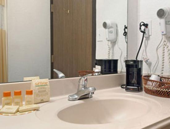Days Inn Fort Worth-Stockyards: Bathroom