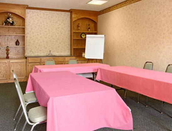Rodeway Inn & Suites Manchester: Meeting Room
